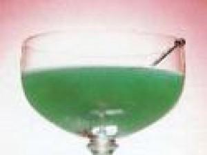 Czy wiesz jak zrobić drink Błękitny Diament?