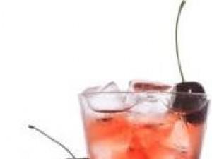 Czy wiesz jak zrobić drink Cherry Rum?