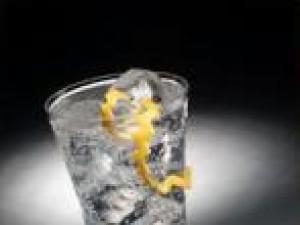 Czy wiesz jak zrobić drinka Gin Anielski Fizz?