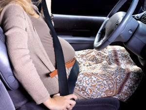 Czy zapinanie pasów samochodowych w ciąży jest bezpieczne?