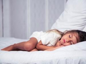 Czym grozi nieleczone chrapanie? Sprawdź, jak śpi twoje dziecko!