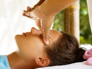 Domowe, sprawdzone sposoby na migrenowy, napięciowy i klasterowy ból głowy