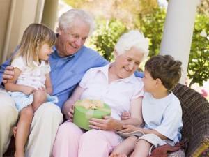 Dziadek i babcia - co dają wnukom