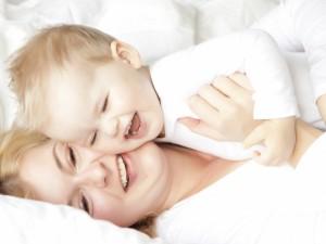 Dziecko w czasie upałów - poznaj fakty i mity