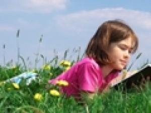 Dziecko z autyzmem – jakie książki wybrać do biblioterapii?