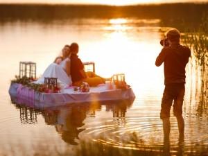 Fotografia ślubna amatorska – czy warto decydować się na miłośnika fotografii na swoim ślubie, a nie na profesjonalistę?
