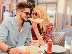 Friends with benefits, czyli przyjaciele... od seksu. Czy taka relacja jest zdrowa?