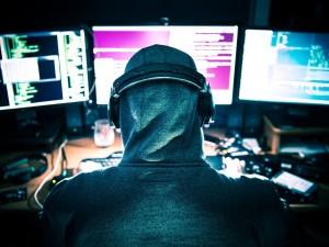 Hakerzy znów atakują polskich internautów! Pod żadnym pozorem nie otwierajcie tych wiadomości!
