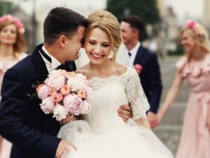 """""""…i ślubuję Ci miłość, wierność i uczciwość małżeńską (…)"""" – czas wręczyć zaproszenia ślubne!"""
