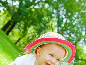Jak dbać o skórę dziecka latem?