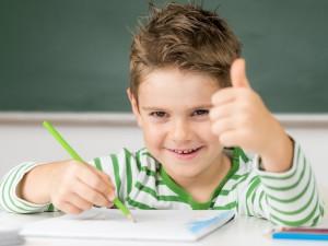 Jak i kiedy zacząć uczyć dziecko języka obcego, żeby się go naprawdę nauczyło?