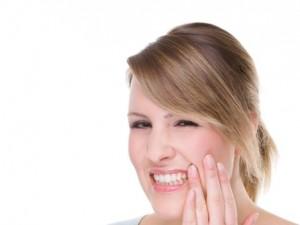 Jak łagodzić ból zębów mądrości?
