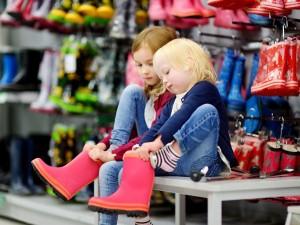 Jak oduczyć dziecko robienia awantur w sklepie?