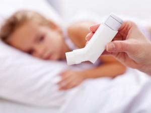 Jak pomóc dziecku z astmą w szkole?
