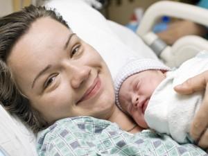 Jak powinna wyglądać opieka nad niepełnosprawną rodzącą kobietą?