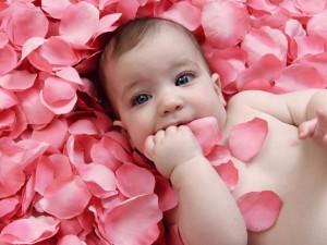 Jak powinno się rozwijać dziesięciomiesięczne niemowlę?