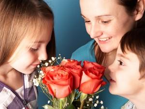 Jak prawidłowo wręczać kwiaty