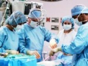 Jak przebiega leczenie operacyjne raka endometrium?