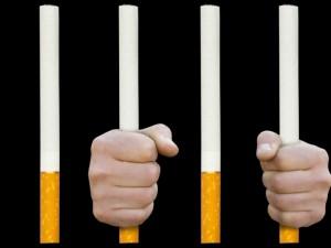 Jak przyjemność palenia zmienia się w udrękę uzależnienia?