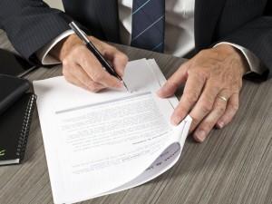 Jak rozwiązać umowę z bankiem?