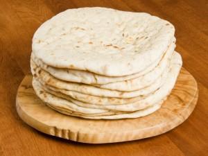 Jak samodzielnie zrobić chlebek pita?