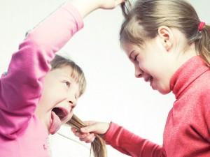Jak sobie radzić z agresją dzieci?