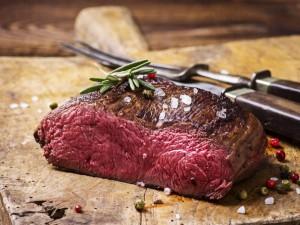 Jak upiec dobrą pieczeń wołową?