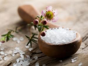 Jak wykorzystać sól gorzką dla zdrowia? 4 proste sposoby