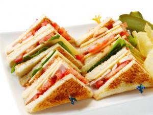 Jak z dziećmi przygotować jedzenie na piknik?