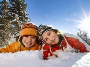 Jak zaplanować zimowy wyjazd z dzieckiem