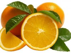 Najbardziej popularnymi cytrusami latem bez wątpienia są pomarańcze i grejpfruty.
