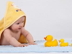 Jaka zabawka dla niemowlęcia