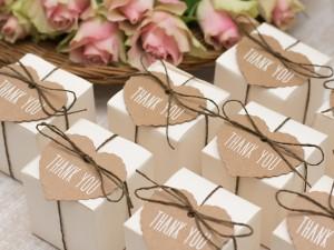 Jaki prezent ślubny dać parze młodej, mężowi, rodzicom i gościom weselnym?