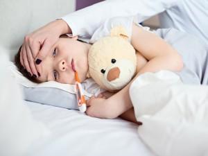 Jeszcze chwila, a zwykłe przeziębienie u dziecka skończyłoby się śmiercią. Wszystko przez pomyłkę farmaceutki w aptece…