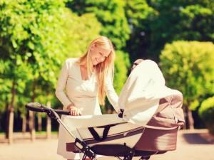 Kiedy można się wybrać na pierwszy spacer z noworodkiem?
