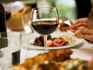 Kiedy nie wiesz, jakie wino dobrać do obiadu...