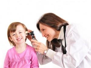 Kiedy wybrać się z dzieckiem do otolaryngologa?