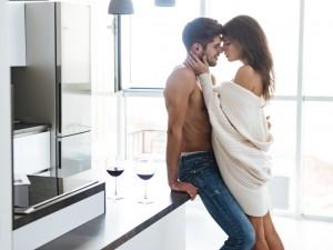 Kobiecy wytrysk podczas stosunku: kiedy może się przydarzyć? Jak go osiągnąć?