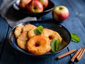 Kompletny przepiśnik po jabłkach w cieście! Sprawdź przepis na swoje ulubione!