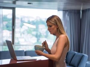 Komputer idealnie czysty. Oto najlepsze sposoby usunięcia brudu z twojego komputera. Wiemy jak zrobić to bezpiecznie. Sprawdź!