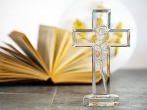 Komunia 2018 – jaki prezent na Komunię od chrzestnej dać?