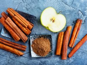Korzenny i pikantny zarazem - włącz cynamon do diety już dziś!