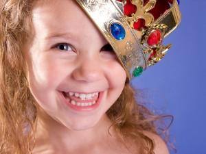 Kreatywna zabawa – jak pomóc dziecku rozwijać wyobraźnię?