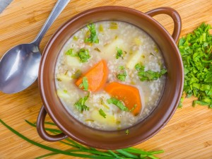 Krupnik: sprawdź przepis na tradycyjną zupę, a także w wersji z kaszą gryczaną i z dynią