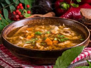 Kultowe danie kuchni polskiej: przygotuj z nami tradycyjne flaki