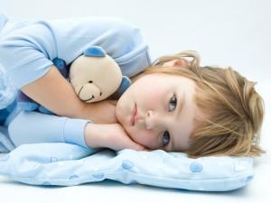 Lęk i kłopoty z zaśnięciem u dziecka – co robić?