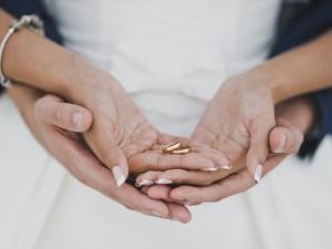 LIST DO REDAKCJI: Narzeczony chce przyjąć po ślubie moje nazwisko. Jest w tym coś złego?