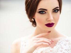 Panna Młoda, mocny makijaż