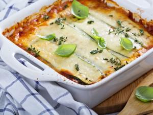 Masz ochotę na zapiekankę? Zrób lasagne z cukinii, a nie poczujesz, że nie ma w niej makaronu!
