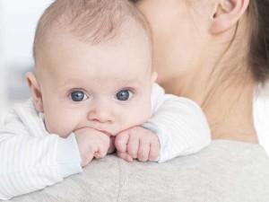 Matka karmiąca piersią nie przyjęła antybiotyku, bo bała się, że zaszkodzi dziecku. Zmarła 3 dni później!